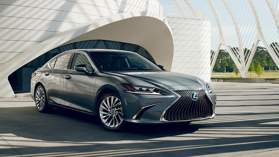 Our Favorite Lexus ES 300h Photo