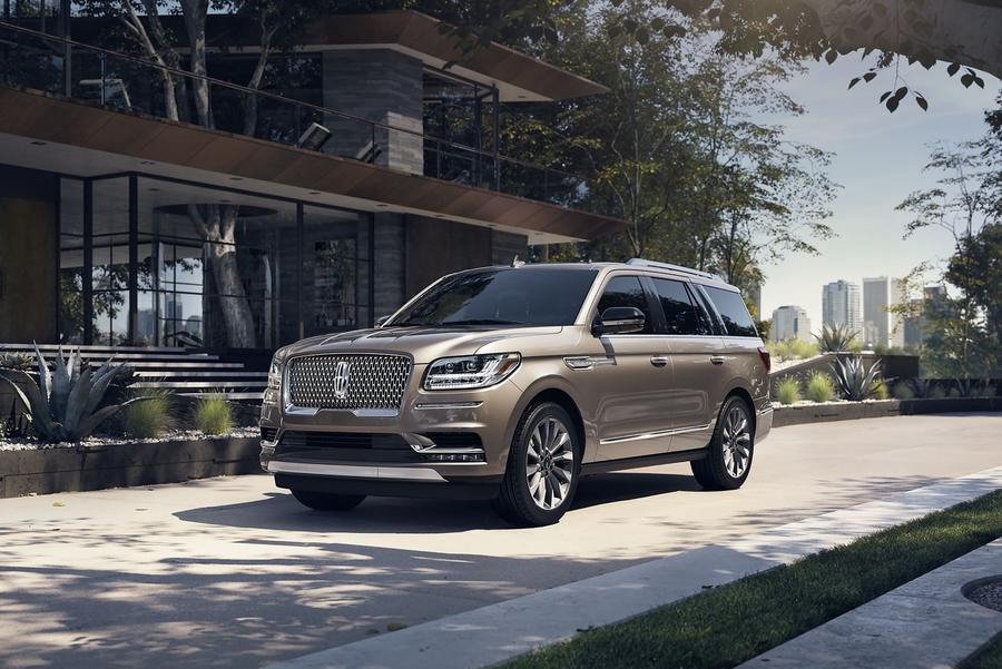 Our Favorite Lincoln Navigator Photo